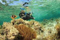 女性snorkeler 免版税图库摄影