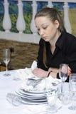 女服务员工作 免版税图库摄影