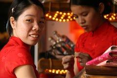 女服务员-会安市-越南 免版税库存图片