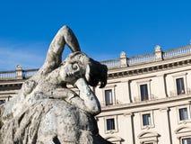 女游泳家的喷泉,罗马,意大利 免版税库存图片