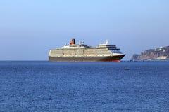 女王伊丽莎白远洋班轮在雅尔塔,乌克兰 库存图片