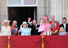 女王伊丽莎白&皇家,白金汉宫,伦敦2017年6月-进军颜色王子乔治威廉,掠夺,凯特&炭灰 图库摄影