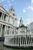 女王安妮雕象在伦敦 免版税库存图片