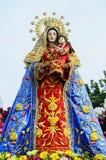 女王玛丽和小耶稣 免版税库存照片