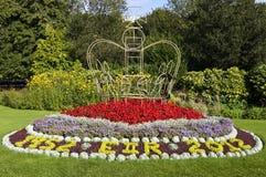 女王的周年纪念花在游行庭院,巴恩里 库存图片