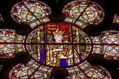 女王维多利亚彩色玻璃西敏寺伦敦英国 免版税图库摄影