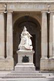 女王维多利亚雕象在马耳他 免版税库存照片