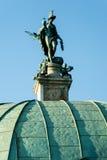 女神戴安娜雕象垫座的在慕尼黑 免版税库存图片