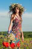 女花童花圈 美好的女孩乌克兰语 免版税库存图片