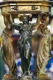 女象柱FountainsÂ华莱士inÂ巴黎饮用水生铁法国 免版税库存图片