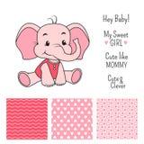 女婴与无缝的样式的大象设计 免版税库存照片