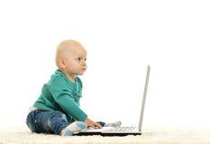 女婴使用 库存图片