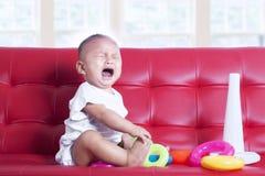 女婴哭泣 库存照片