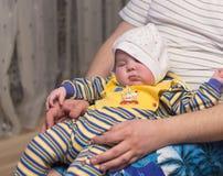 女婴她的藏品孤立可爱的母亲我的小孩白色 库存图片