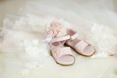 女婴洗礼仪式鞋子 库存图片