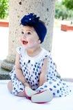 女婴笑 免版税库存图片