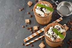 奶昔用咖啡和冰淇凌 免版税图库摄影