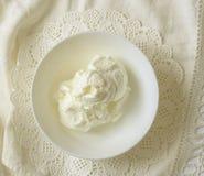 奶油色冰圣代冰淇淋 库存照片