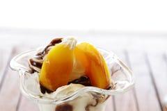 奶油色冰malba桃子 免版税库存图片