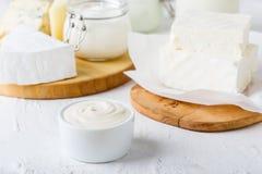 奶油色变酸 新鲜的有机乳制品 免版税库存图片