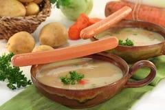 奶油色土豆汤 库存图片