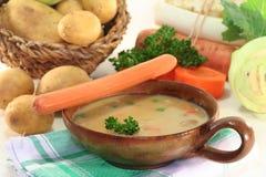 奶油色土豆汤 免版税库存照片