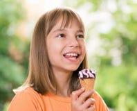 奶油色女孩冰 免版税图库摄影