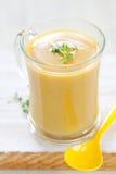奶油色新鲜的南瓜汤 免版税图库摄影