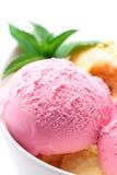 奶油色果子冰草莓 库存照片