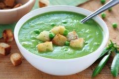 奶油色绿豆汤 库存图片