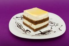 奶油色蛋糕和平  免版税图库摄影