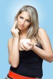 奶油色表面妇女 免版税库存照片