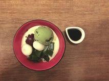 奶油色绿色冰日本人茶 库存图片