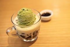 奶油色绿色冰茶 免版税库存照片