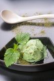 奶油色绿色冰茶 库存照片