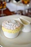 奶油色passionfruit souffl 免版税库存照片