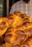 奶油蛋卷-鲜美传统法国早餐酥皮点心 库存照片