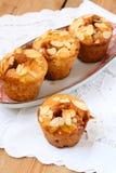 奶糖和梨松饼 库存照片