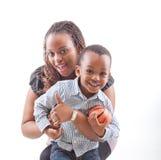 她的妈妈儿子 免版税库存图片