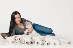 她的宠物妇女 免版税库存图片