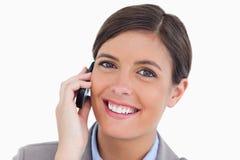 她的移动电话的女性企业家 免版税库存图片