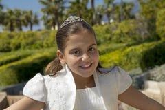 她的第一个圣餐的女孩 免版税库存照片