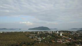 好日子普吉岛镇海岛空中风景全景4k鸟瞰图  股票视频