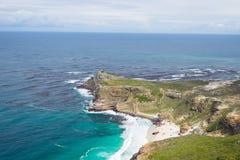 好望角和Dias在南非靠岸,观看从开普角,在最风景的旅行目的地中 制表山 免版税库存图片