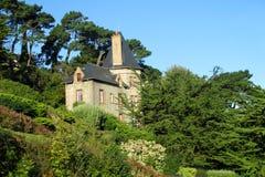 好的农村砖房子在欧洲 免版税库存照片