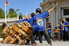 好的妙语Odori节日的鼓手在巴波亚公园,圣地亚哥 库存照片
