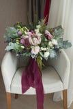 好的婚礼花束在屋子里 图库摄影