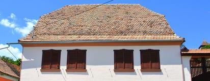 好的房子在撒克逊人的村庄Ungra,特兰西瓦尼亚,罗马尼亚 免版税库存图片