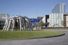 好的牛仔杂乱的一团雕塑在福特中心Frisco 库存照片