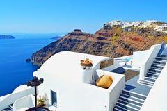 好的看法圣托里尼海岛屋顶希腊 库存照片